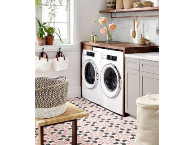 paleta de colores en un cuarto de lavado de casa
