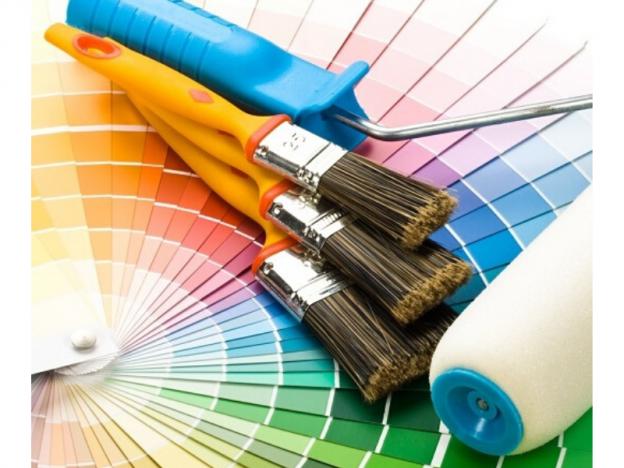 paletas de colores con brochas