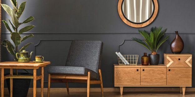muebles de madera barnizados